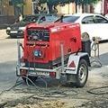 Сварочный агрегат Shindaiwa на ремонте водопровода