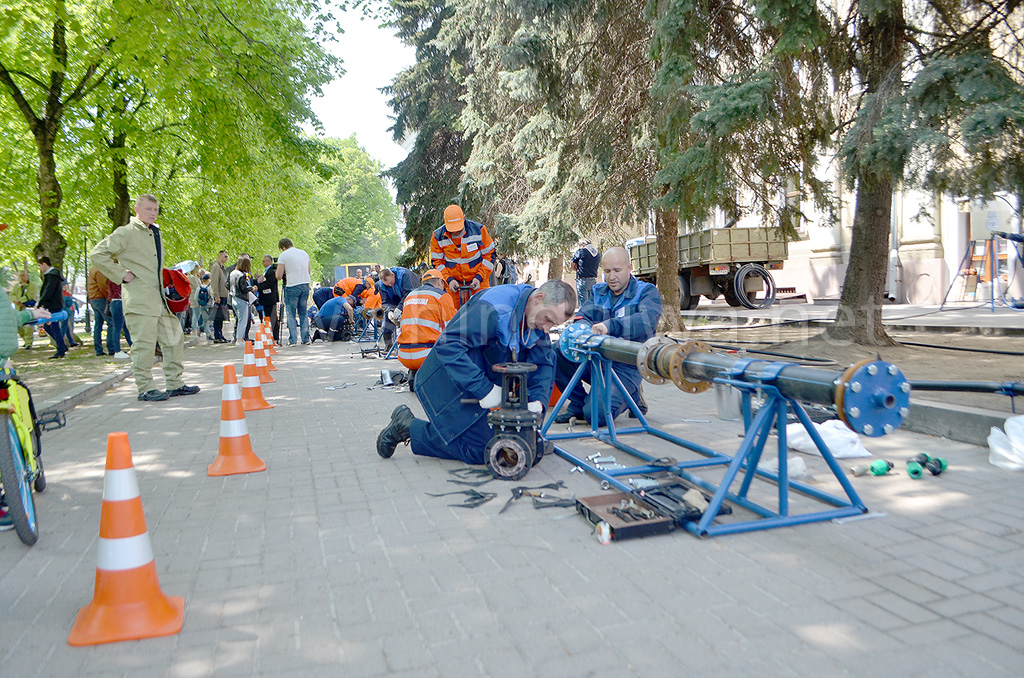 Соревнования слесарей по ремонту водопроводных и канализационных сетей.